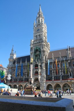 Town Hall - ready for the Glockenspiel