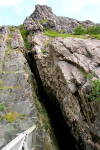 Crack in the rock along the way to Signal Hill