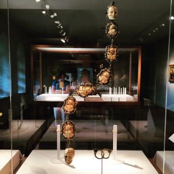 Memento mori rosary