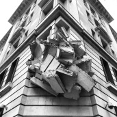 Building in collapse